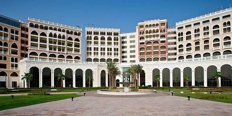 The Ritz-Carlton Abu Dhabi, De Forenede Arabiske Emirater